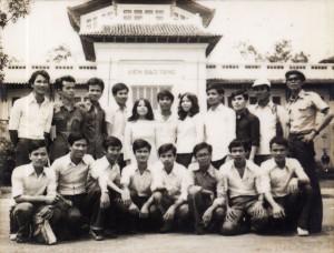 1977-SinhvienCham02